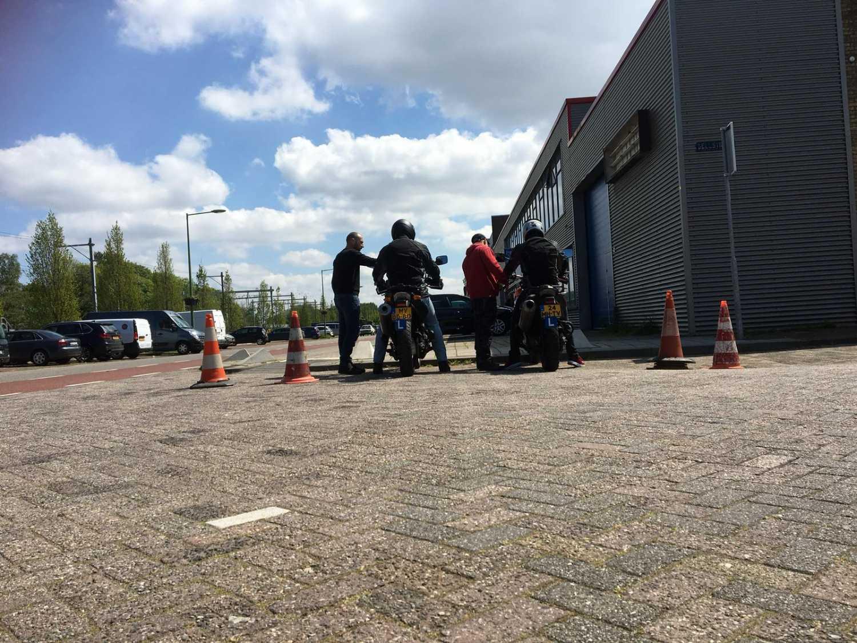 Motorrijles bij Verkeersschool De Hoog
